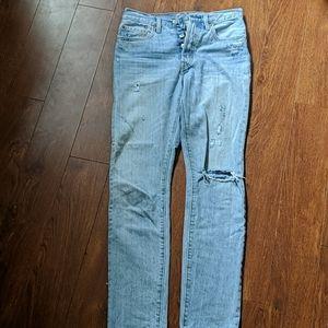Light wash Levi's 501 skinny